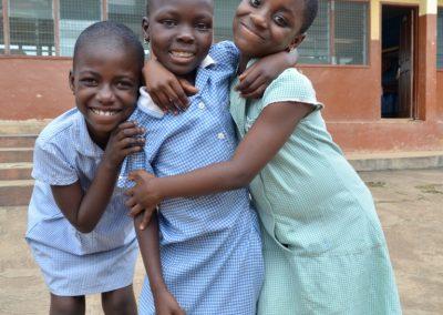 3 dove meisjes na schooltijdDSC_0556 (Medium)